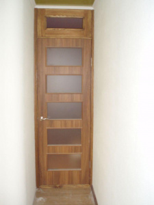 Двери из натурального дерева