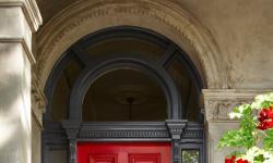 Идеи для входных дверей частного дома